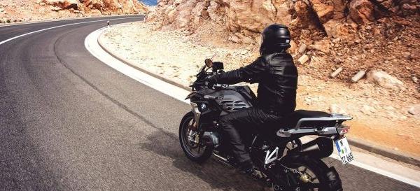 Diez buenas ideas para conducir tu moto de forma más segura