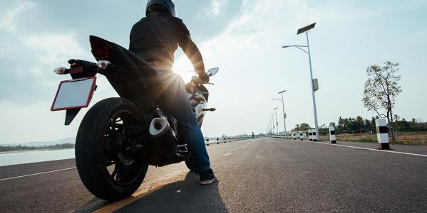 Cuida y prepara tu moto para el verano