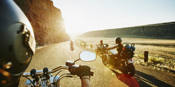 Tentaciones a evitar en moto este verano